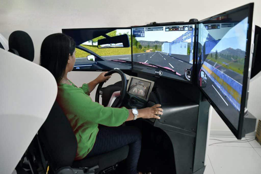 Simulador de direção nas Autoescolas